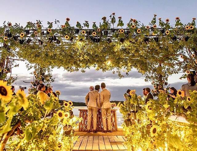 Carlinhos Maia e Lucas Guimarães se casam em restaurante à beira do Rio São Francisco / Foto: Reprodução Instagram