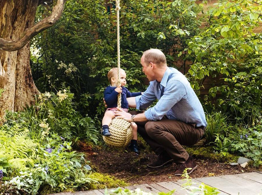 O Príncipe William e o filho caçula, Louis / Foto: Reprodução Instagram