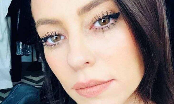 "Paolla Oliveira posta selfie e web 'se apaixona': ""Muito maravilhosa"""