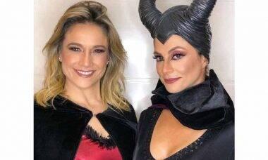 Fernanda Gentil e esposa mostram fantasias para o Dia das Bruxas