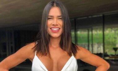 Ex-BBB, Adriana Sant'Anna posta foto de biquíni e impressiona fãs