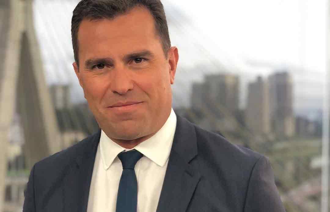 Rodrigo Bocardi rebate telespectador ao vivo no Bom Dia SP sobre situação do lixo