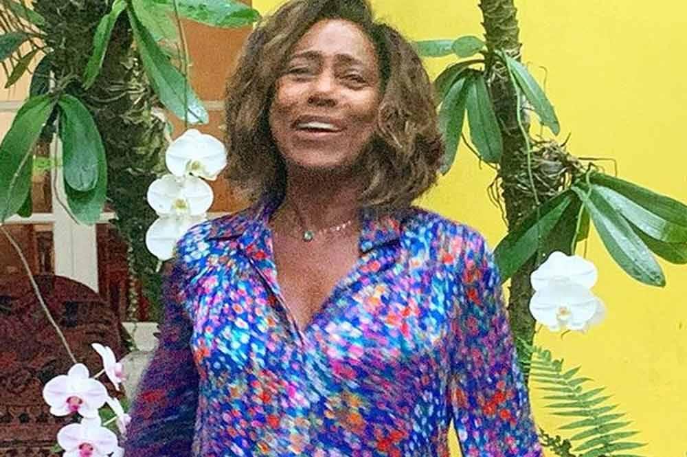 Gloria Maria sobre cirurgia: 'Estava com uma bomba relógio no cérebro'