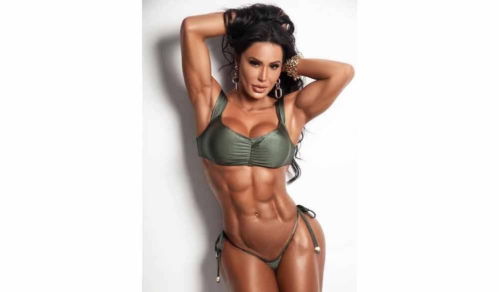 Gracyanne Barbosa impressiona ao mostrar barriga trincada: ''Com determinação é possível conquistar o inimaginável''