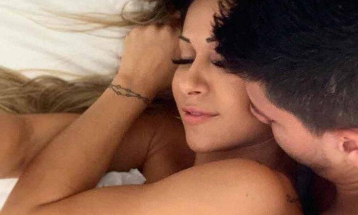 Mayra Cardi compartilha momento íntimo com o marido no Instagram