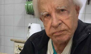 Cid Moreira dá bronca em Luciano Camargo por dormir na academia