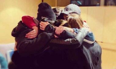 RBD posta foto reunido 11 anos após o fim e fãs acreditam em volta