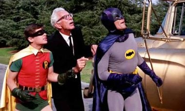 Médicos sugeriram 'diminuir pênis' ao atorBurt Ward que viveu Robin nos anos 60