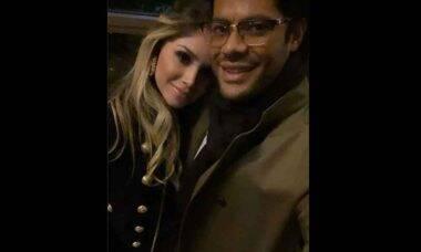Após polêmica, Hulk posta foto ao lado de nova namorada