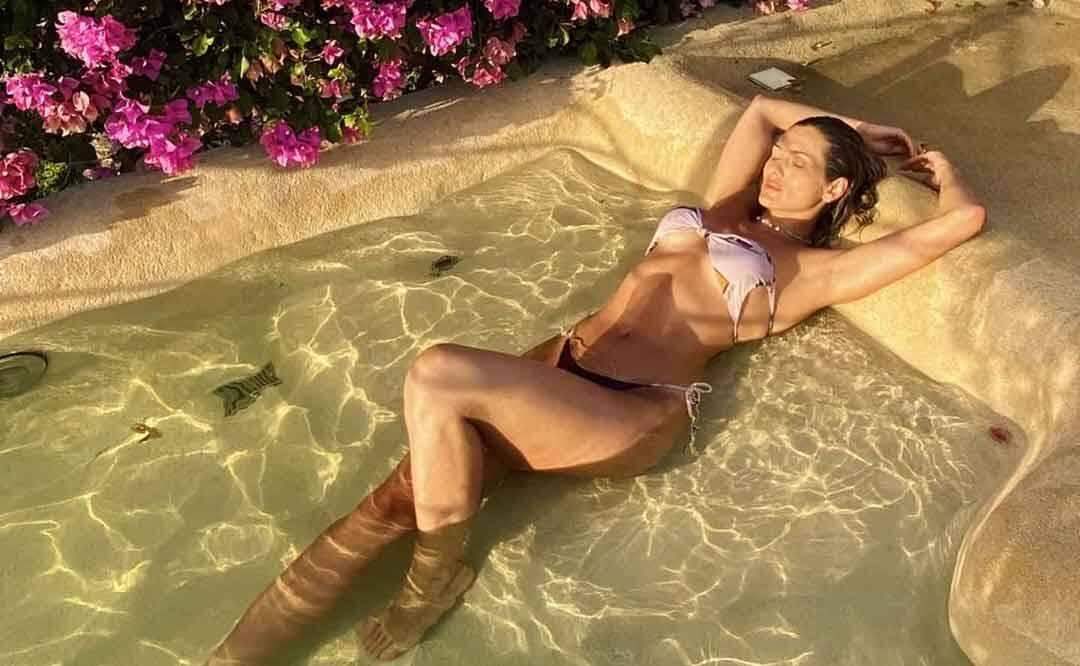 """Lívia Andrade de biquíni em Jericoacoara: """"Pedaço de paraíso"""""""