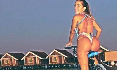 Anitta mostra o bumbum em clique nas Maldivas