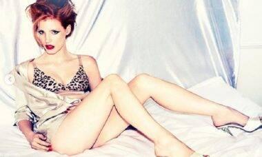 Coronavírus: Atriz divulga fotos sensuais para animar quarentena