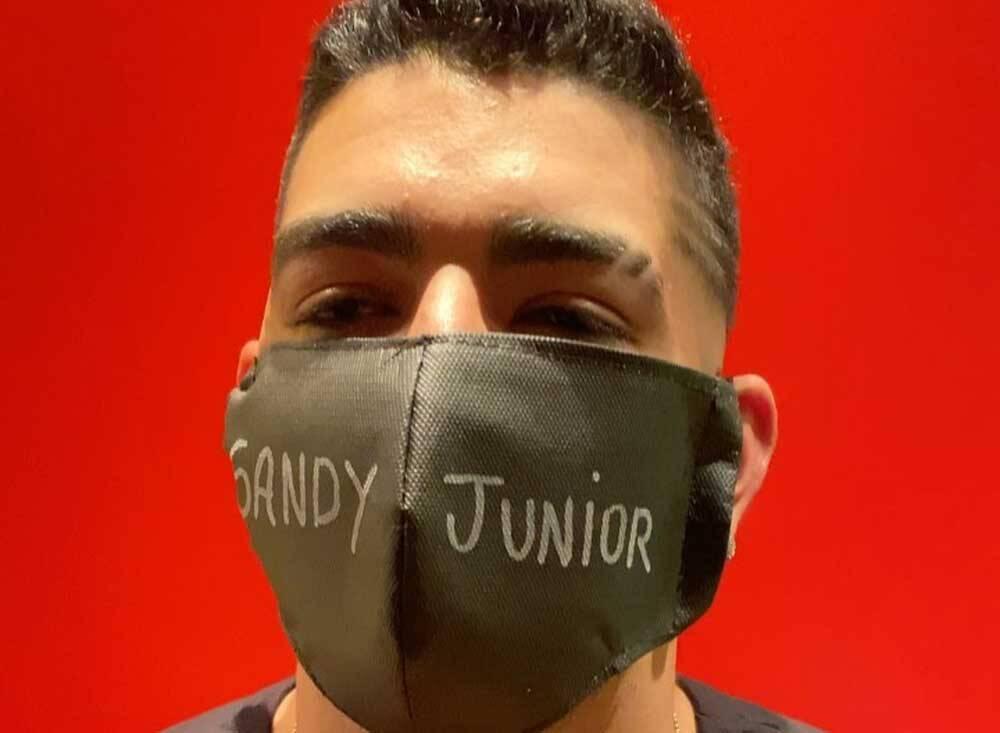 Dilsinho cancela live por causa de Sandy e Júnior