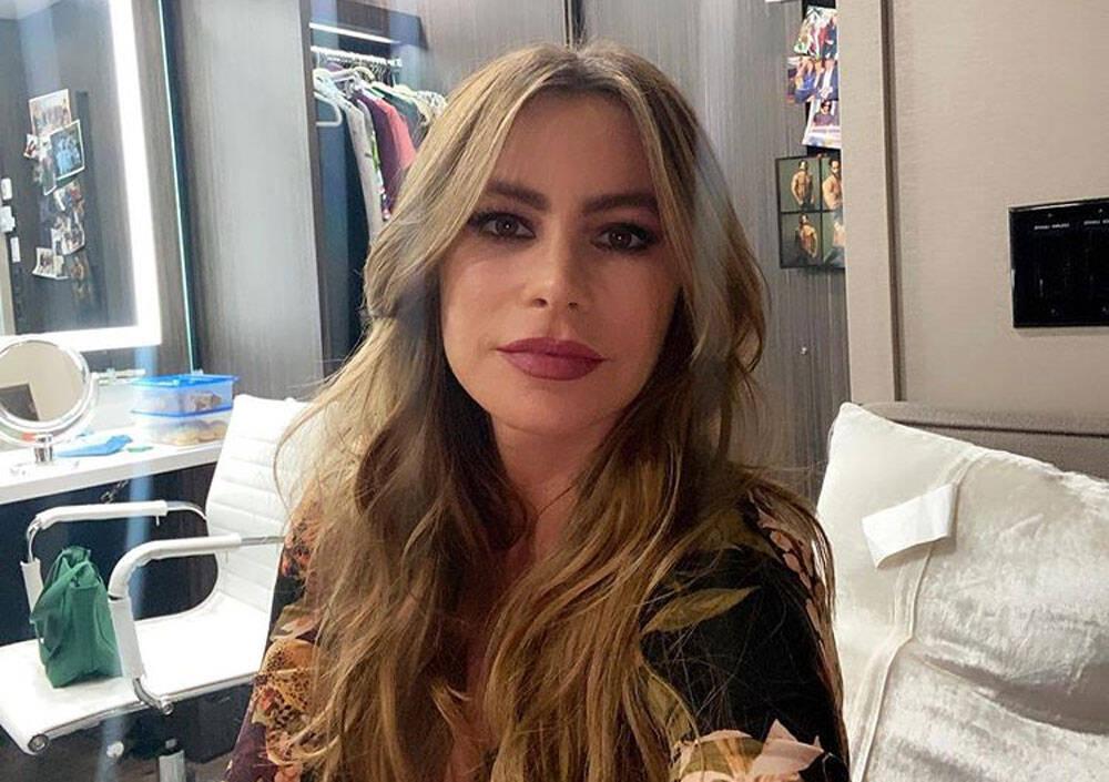 Aos 47 anos, Sofia Vergara surge de biquíni e é confundida com sobrinha de 27