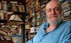 Compositor Aldir Blanc morre de covid-19