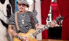 VÍDEO: Johnny Depp agradece aos fãs por ficarem ao seu lado durante sua batalha legal com a ex-mulher Amber Heard