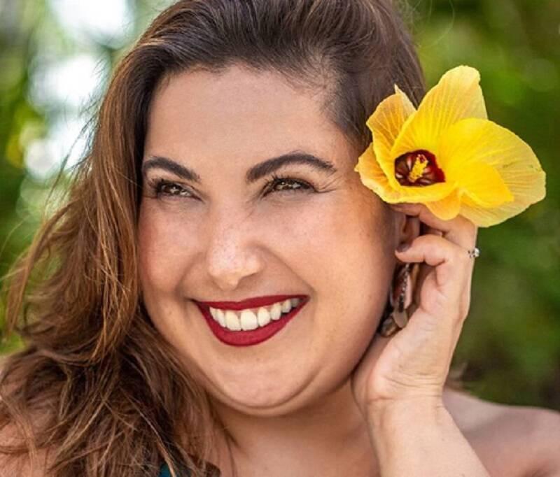 Mariana Xavier compartilha clique de lingerie