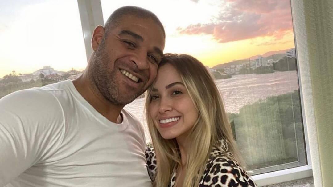 """Após chamar ex-noiva de """"falsa"""", Adriano quer reatar relacão"""