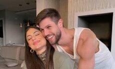 Mari Gonzales surge em clique romântico com Jonas Sulzbach