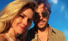 Monique Alfradique compartilha clique romântico com o namorado