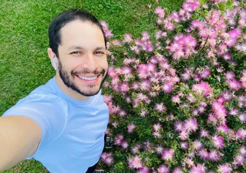 Rainer Cadete comemora 33 anos com post reflexivo