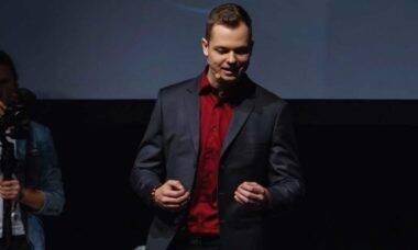 Influenciador Patrick Kogler inspira milhares de pessoas através de suas palestras de coaching. Foto: Divulgação