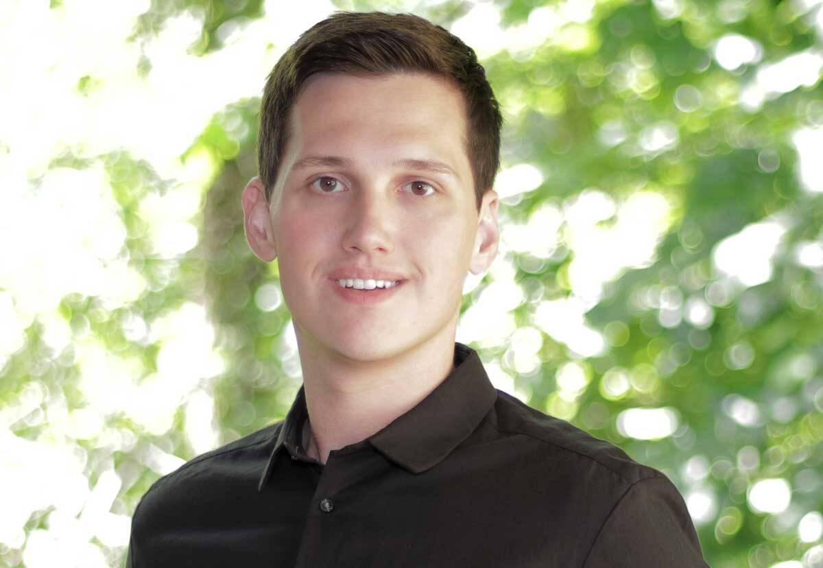 Especialista digital Paul James ajuda pessoas a melhorarem o SEO de canais no YouTube. Foto: Divulgação