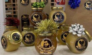 Professora ganha direito de vender mel com a marca Miel Gibson. Foto: Reprodução Instagram