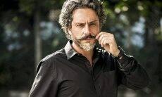"Alexandre Nero ""mata"" Regina Duarte durante entrevista"