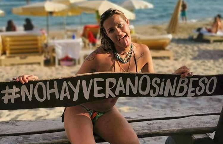 Luana Piovani posta clique de topless durante férias na Espanha