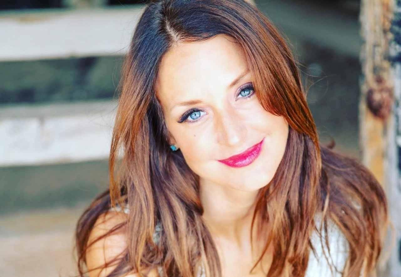 """Coach executiva Dra. Taryn Stejskal, fala sobre seu último livro """"Florescer ou Dobrar - As Cinco Práticas de Pessoas Particularmente Resilientes"""". foto: Divulgação"""