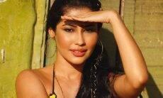 Thaynara OG em ensaio de biquíni