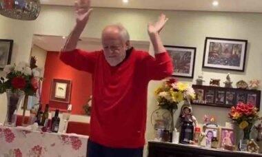Bora dançar? Ary Fontoura aparece em divertidíssimo vídeo dançando e cantando