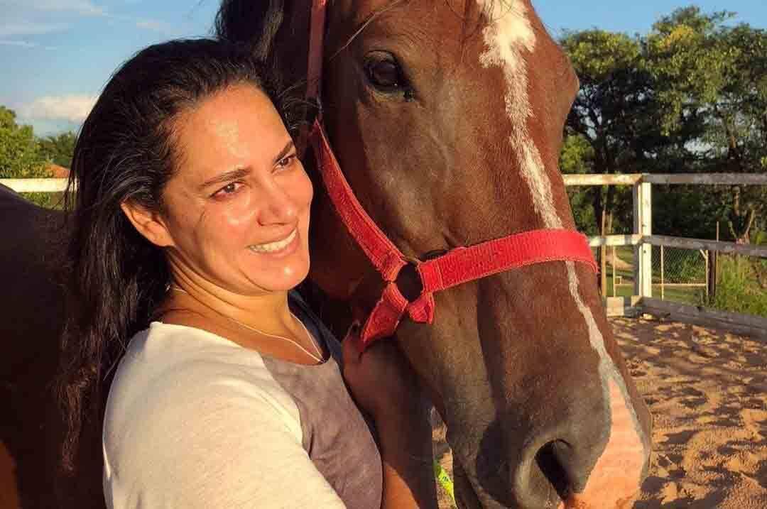 Silvia Abravanel  está sem andar há cinco meses após cair de um cavalo. Foto: Reprodução Instagram