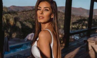 Ex-BBB Ivy Moraes encanta de biquíni durante viagem ao Jalapão