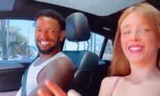Duda Reis e Nego do Borel aparecem curtindo música no carro e a modelo posta foto de biquíni