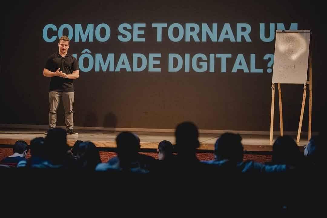 João Pedro Alves: influenciador e nômade digital comenta sua trajetória de sucesso na internet. Foto: Divulgação