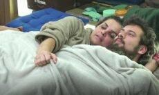 Foto de Luíza Ambiel com a mão, supostamente, em parte íntima de Cartolouco viraliza