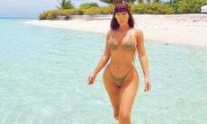 """Kim Kardashian exibe curvas e boa forma e celebra aniversário: """"Isso são os 40"""""""