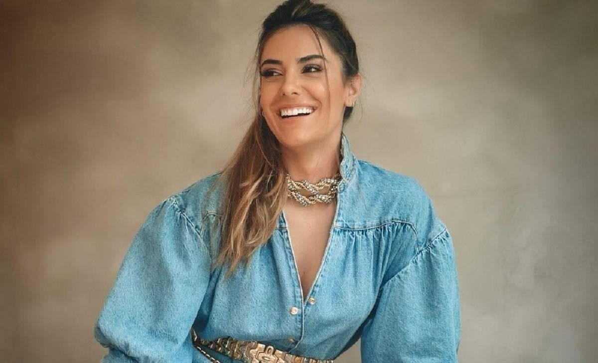 """Jade Magalhães posta foto sorrindo, após separação com Luan Santana, e tranquiliza fã: """"estou bem"""""""