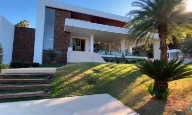 Maiara e Maraisa anunciam mansão à venda por R$7 milhões