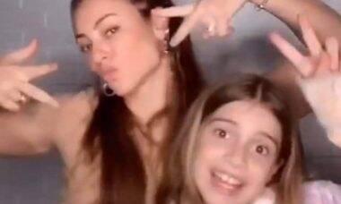 Paolla Oliveira cai na dança com a sua enteada em vídeo divertido