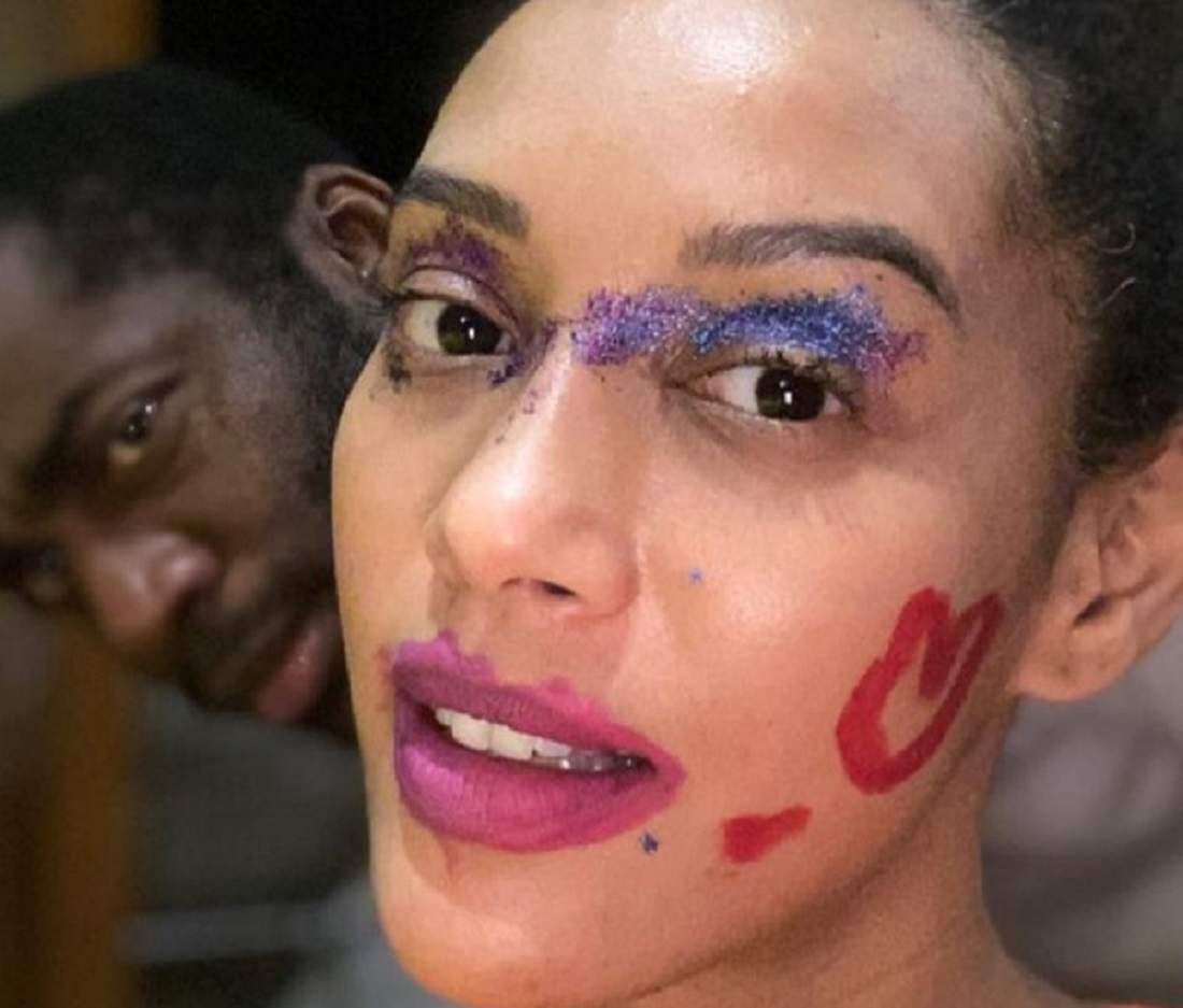 Taís Araujo mostra brincadeira de maquiar com a filha caçula, Maria Antônia