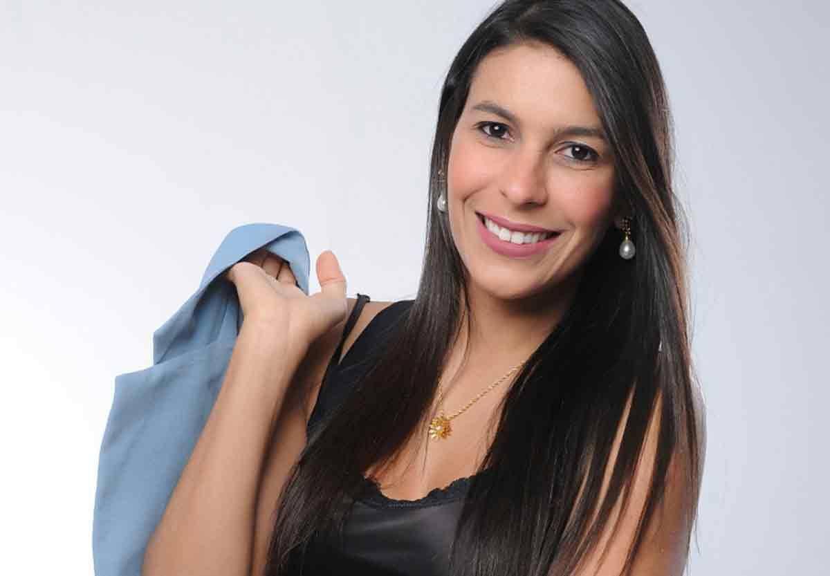 """Conheça Andreza Carício, a autora best-seller que conquistou o Brasil com seu livro """"Todo Santo Dia"""". Foto: Divulgação"""