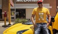 Piloto e influenciador Leonardo Ferreira Aventador viraliza nas redes sociais com conteúdos sobre carros. Foto: Divulgação