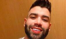 """Gusttavo Lima posta selfie sorrindo e recebe diversas cantadas: """"sempre perfeito"""""""