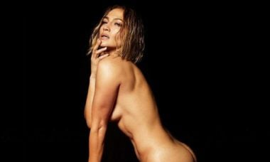 "Jennifer Lopez aparece nua na capa da sua nova música ""In The Morning"""