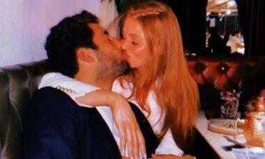 Pedro Scooby e Cintia Dicker se casam em Portugal em uma cerimônia íntima