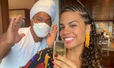 Carlinhos Brown e sua filha, Clara Buarque, celebram o aniversário juntos