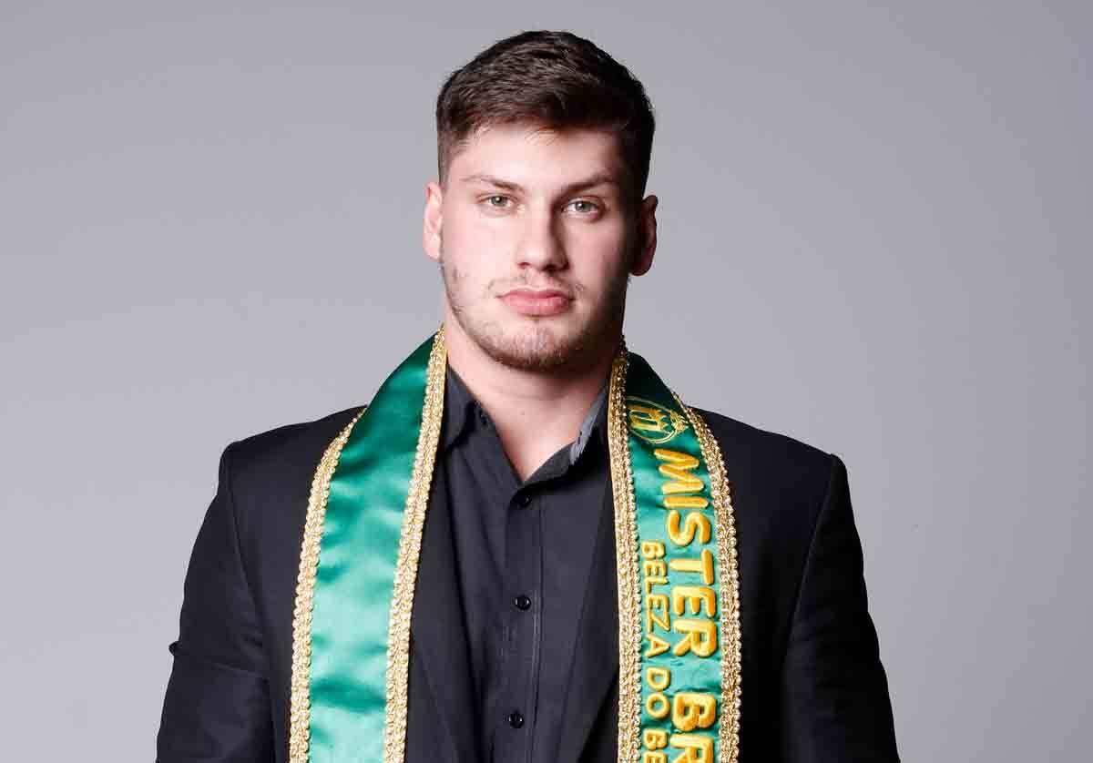 Após vencer o Teenager, modelo Thiago Barbosa é eleito Mister Brasil Beleza do Bem 2021. Foto: Divulgação